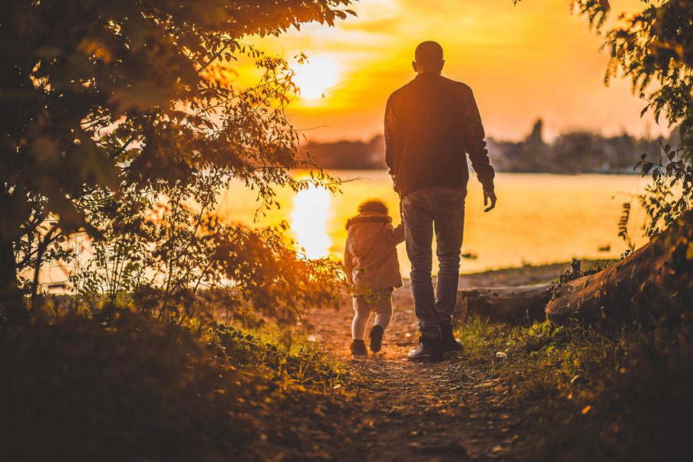 Figli legittimi e naturali: Mantenimento a seguito di riconoscimento giudiziale di paternità